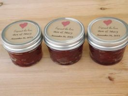 small jam jars for wedding favors