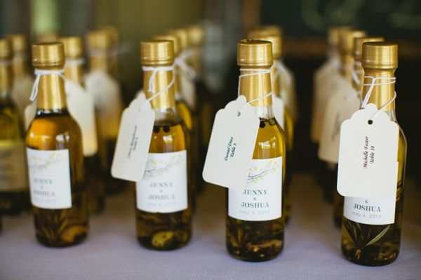 Small Wine Bottles Wedding Favors Images Decoration Ideas