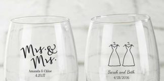 wedding favors wine glasses